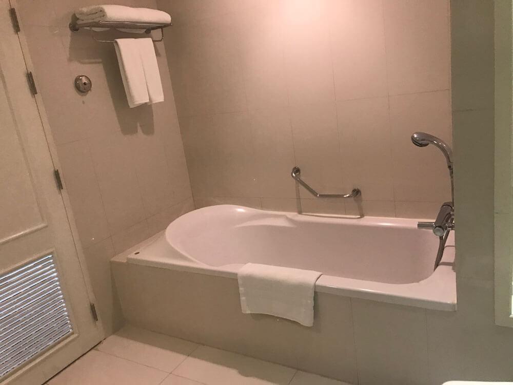 グランデセンターポイントホテルラチャダムリの風呂